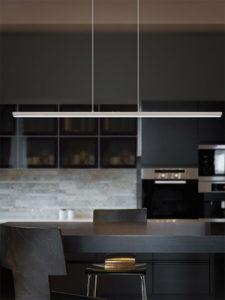 Luminaire suspendu moderne PELLARO Eglo 93894A au-dessus de la table de cuisine