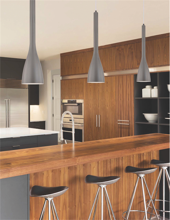 Luminaire suspendu moderne Dainolite 582-IP-MN au dessus d'un ilôt de cuisine