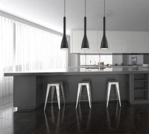 Luminaire suspendu moderne Dainolite 582-IP-BK au dessus d'un ilôt de cuisine