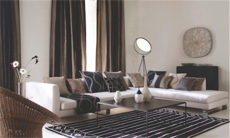 Lampe de plancher moderne PADDLE maxim ET2 E23299-BK dans un salon chic avec divan blanc